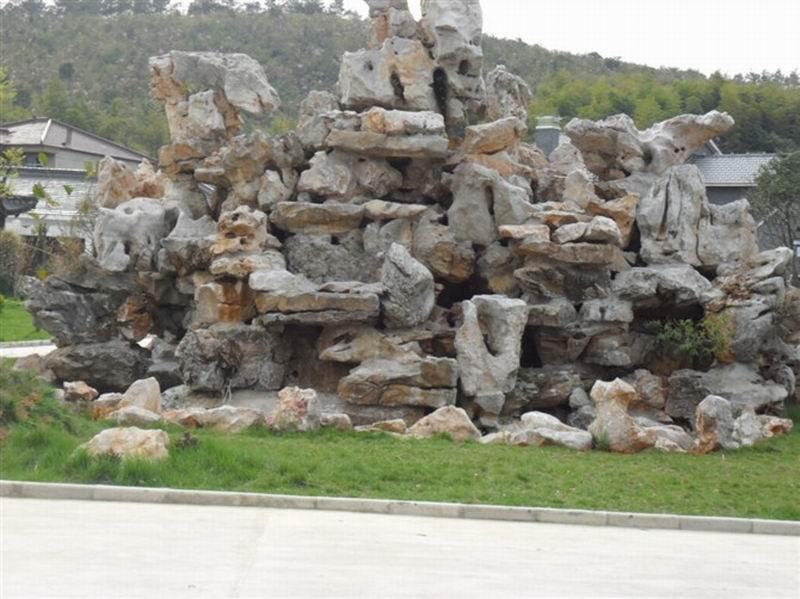 千层石假山喷泉